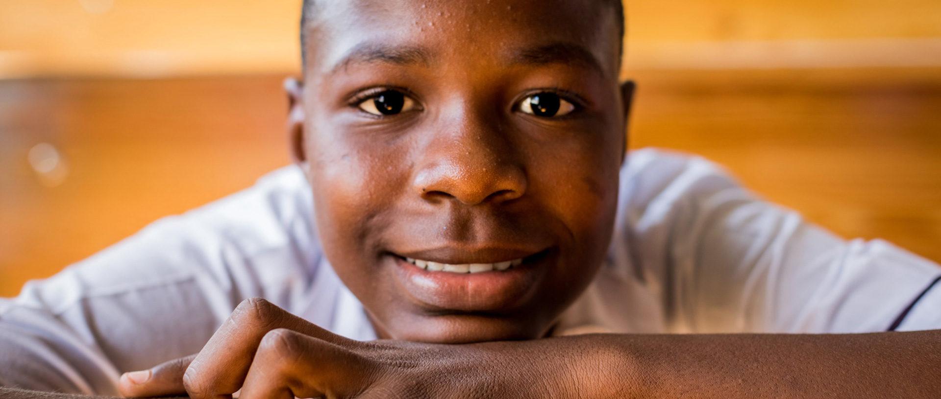 serving hope to children in Haiti banner